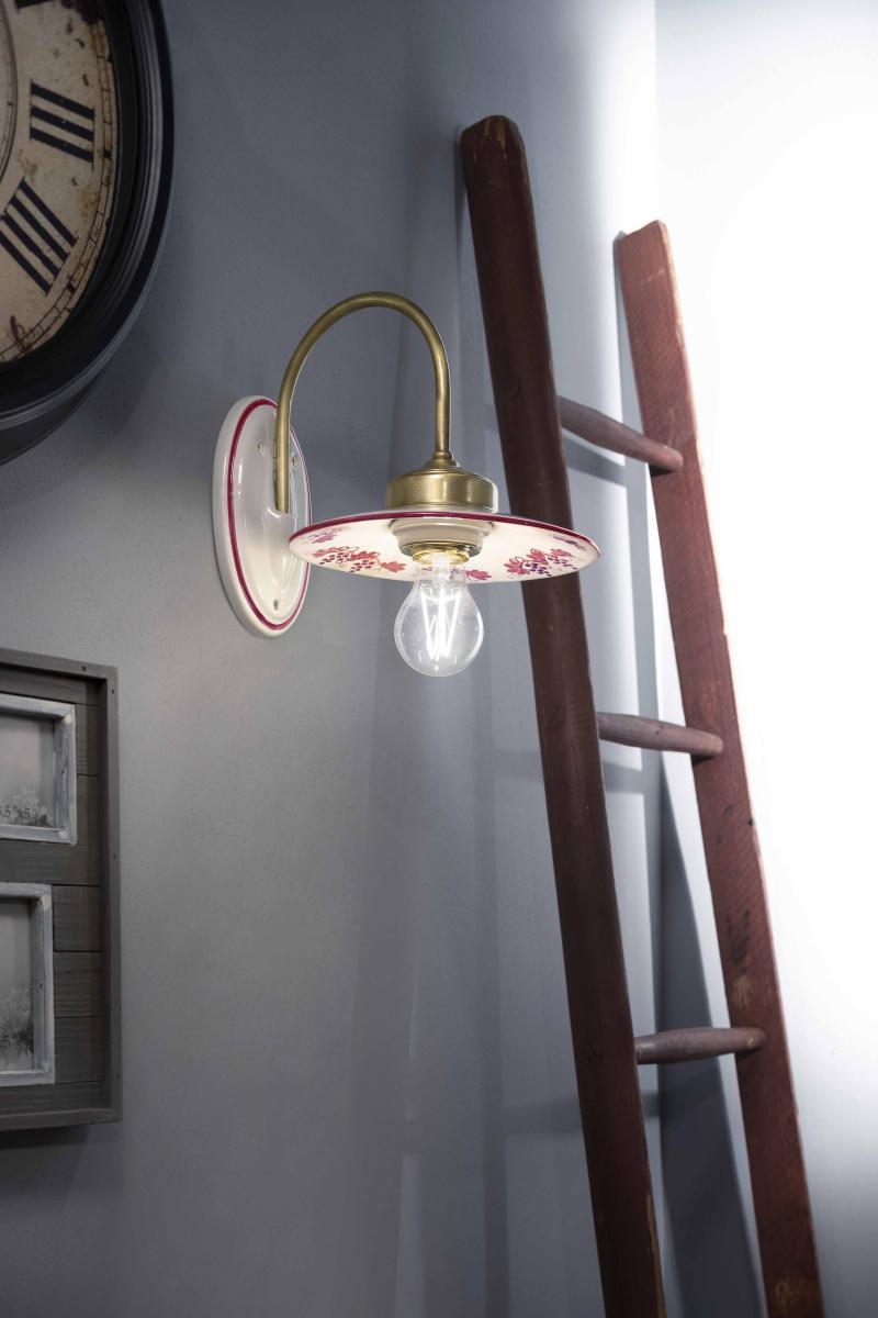 lampada con braccio per l'ingresso classico