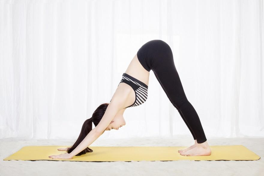 giam mo bung bang yoga - 1