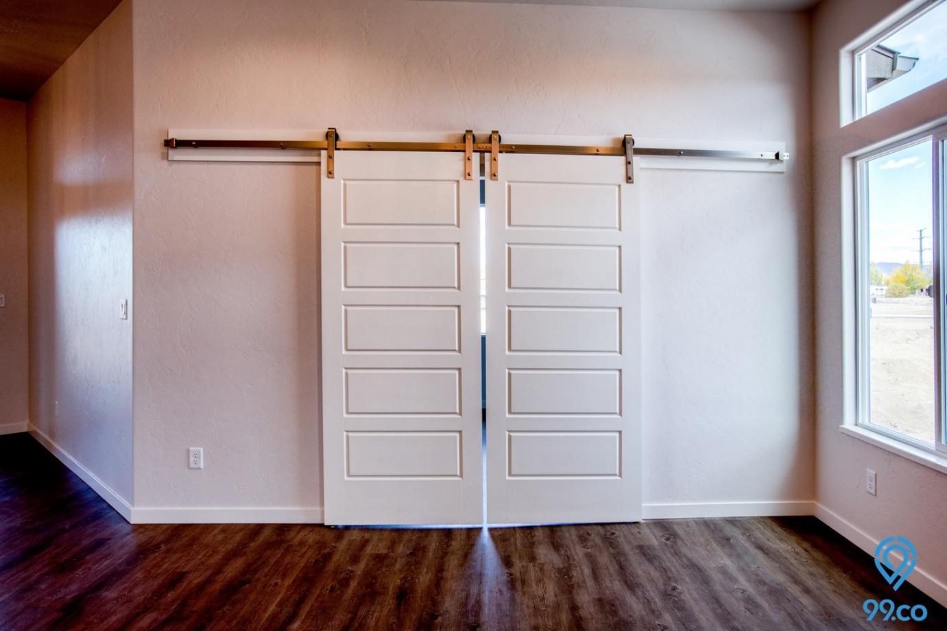12 Inspirasi Bentuk Pintu Rumah Minimalis Tahun 2020