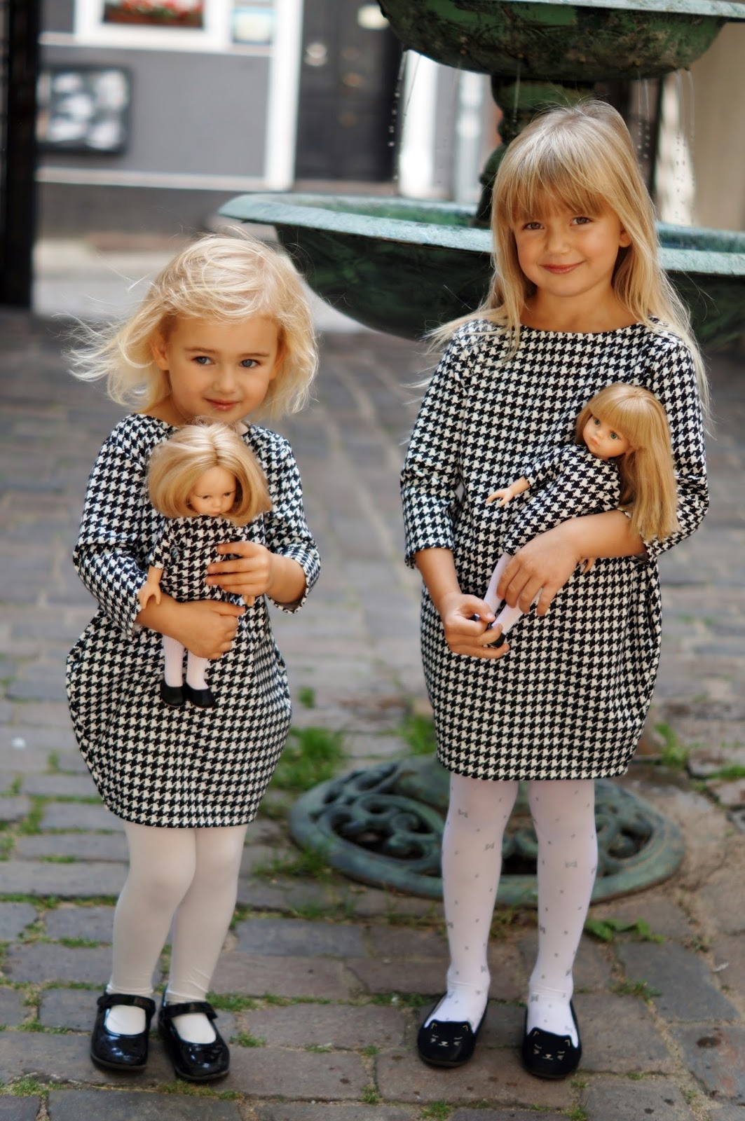 Sukienka w pepitkę dla dziewczynki