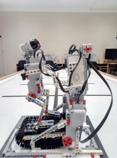 D:\ДНН\КТП робототехника 2017\Робототехника 2017\Битва роботов 2016\тренажер\P61012-081835.jpg