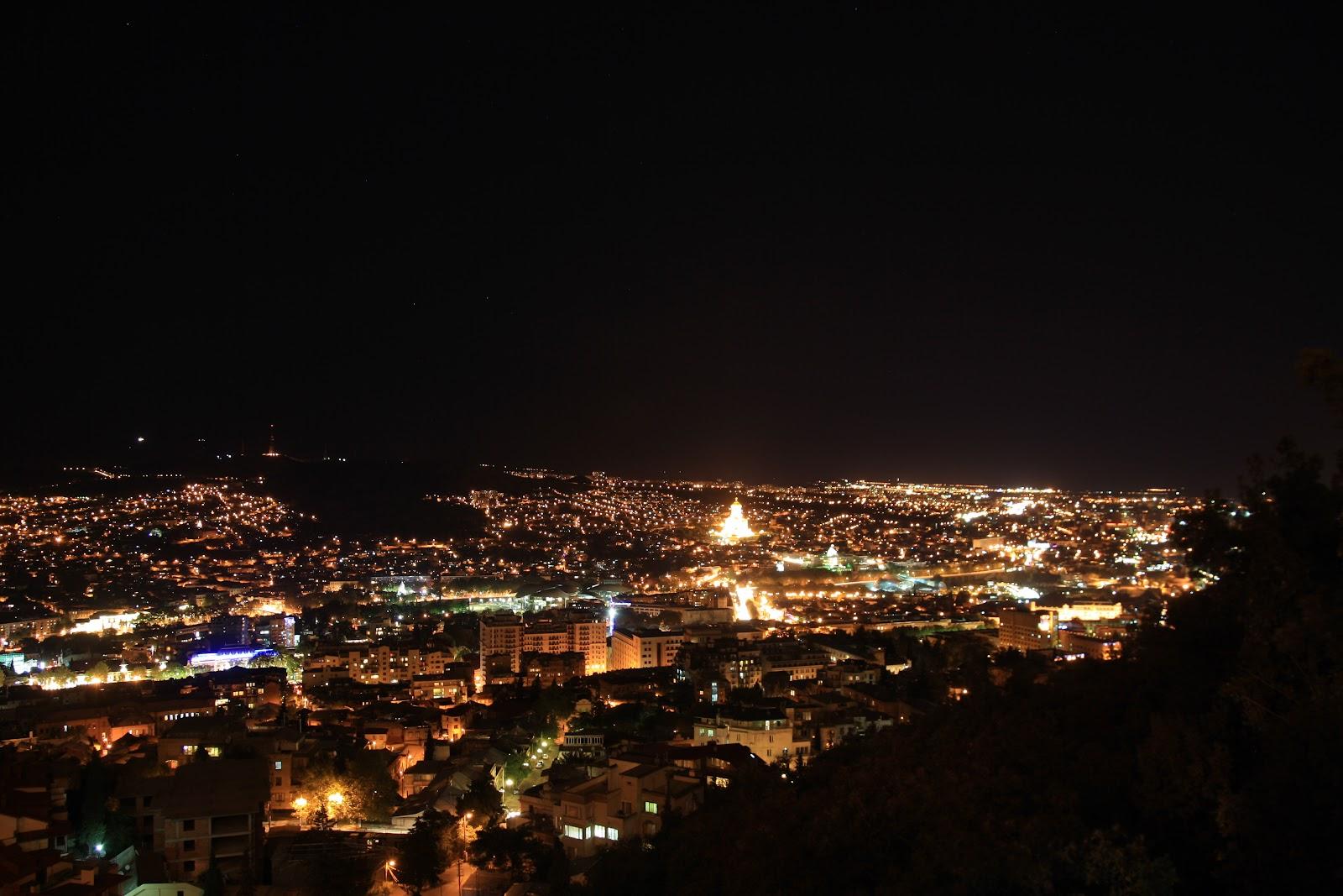 вогні нічного Тбілісі