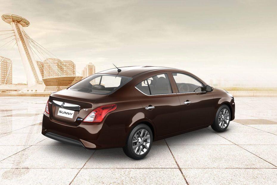 Nissan Sunny Premium Design