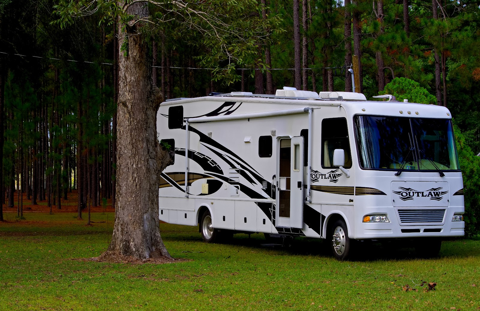 Luxury Living – 6 Tips That Will Add A Touch Of Comfort To Your RV