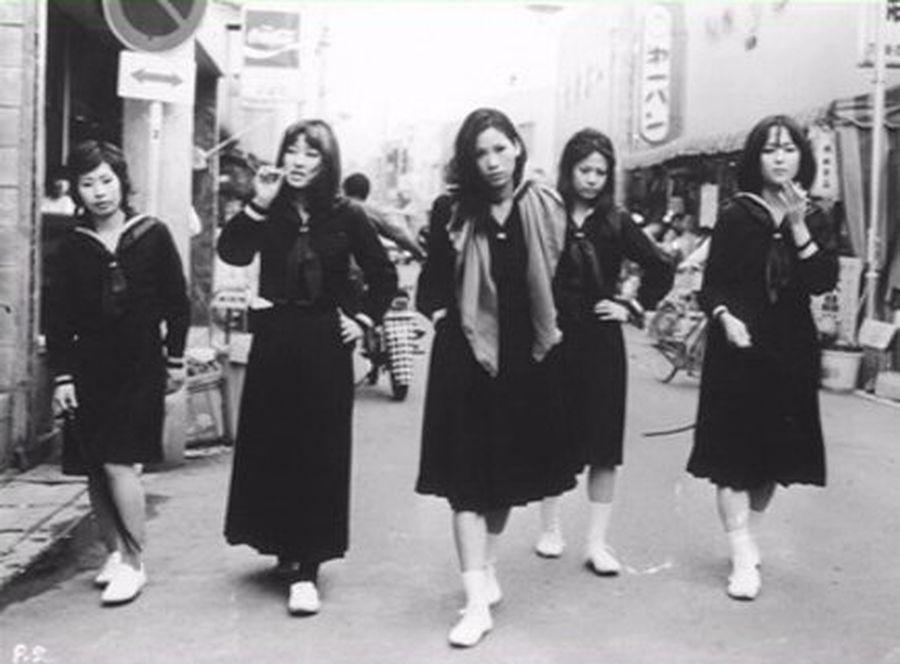 Кадр из фильма Норифуми Сузуки «Ужасная школа для девочек: линчевание в классе» (1972).