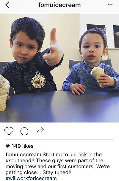 Chú thích trên Instagram với hai hashtag của FOMU Ice Cream