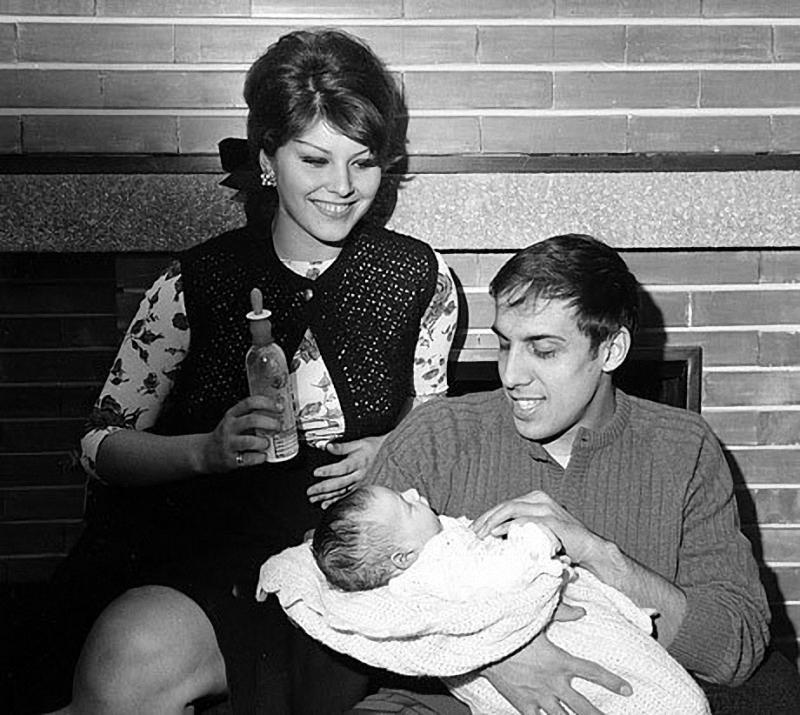 Adriano Celentano and Claudia Mori 16