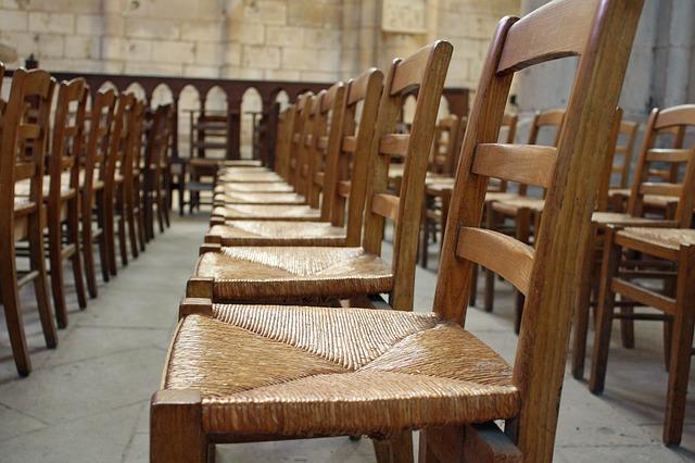 chairs-258254_640.jpg
