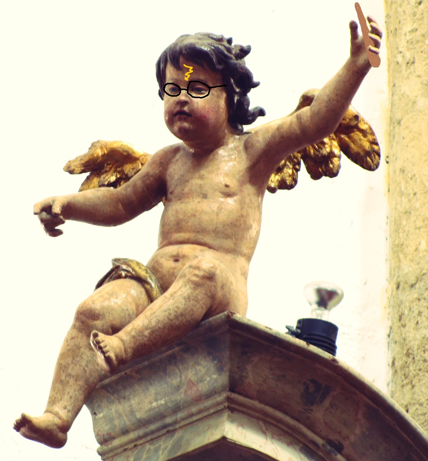 Angel_statue_in_Ptuj.jpg
