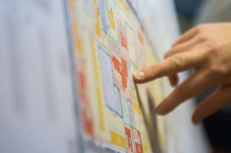 Например, доступ граждан к информации иногда определяет их отношение к градостроительному проекту. Фото – Анна Волынец