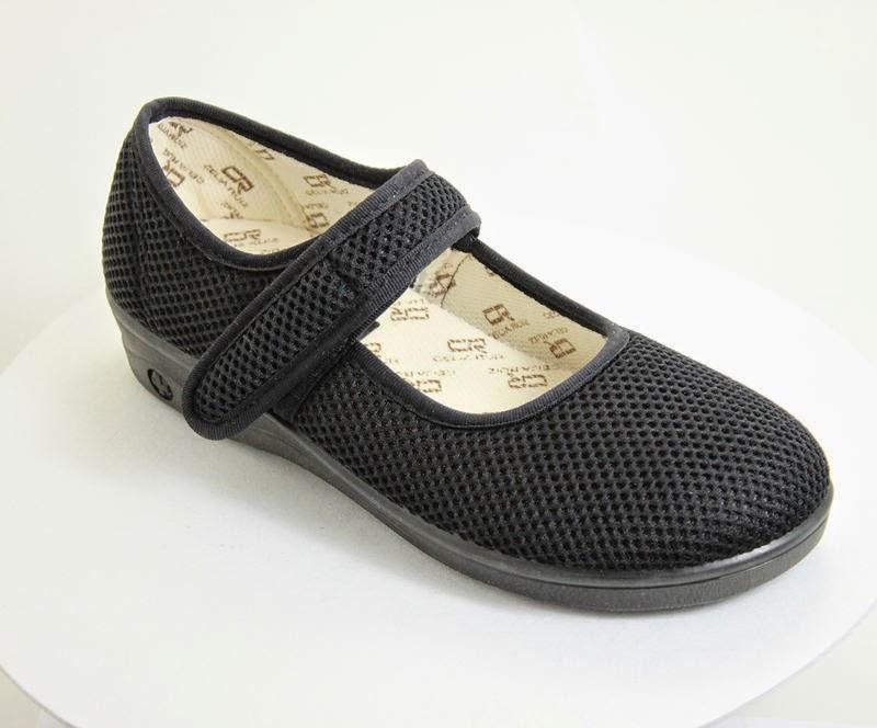 Comfortable vegan Mary-Jane sandal