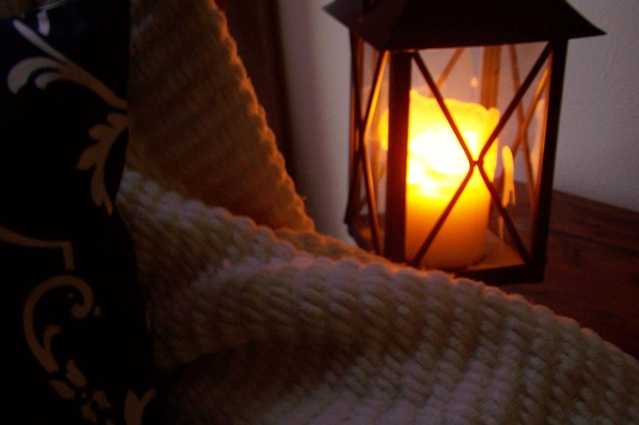 lantern-827784_1280.jpg