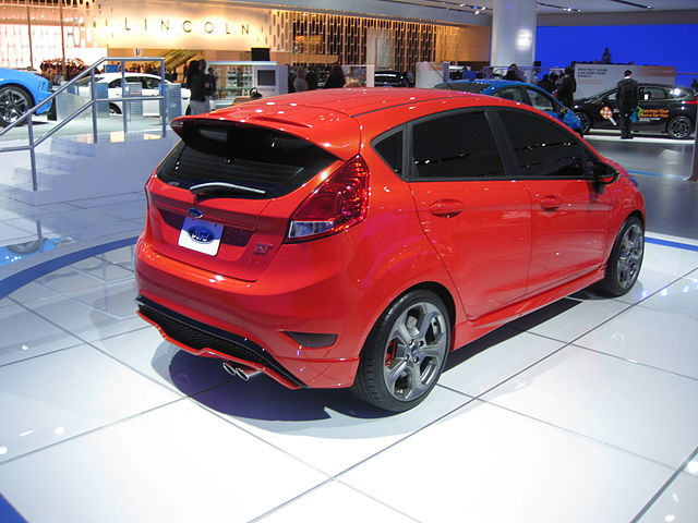 640px-Ford_Fiesta_ST_at_NAIAS_2012_(6683786169).jpg