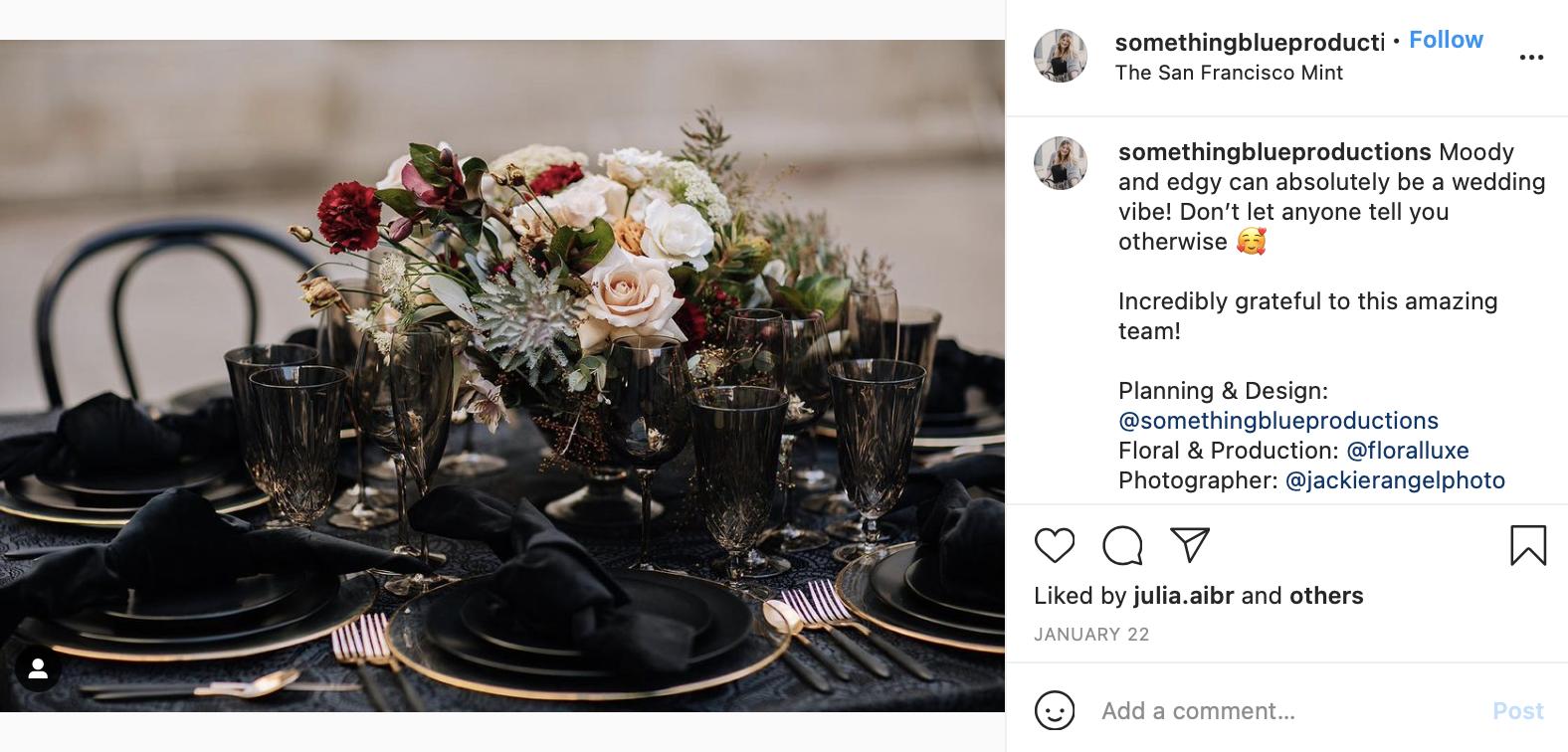 black and gold wedding color scheme table decor