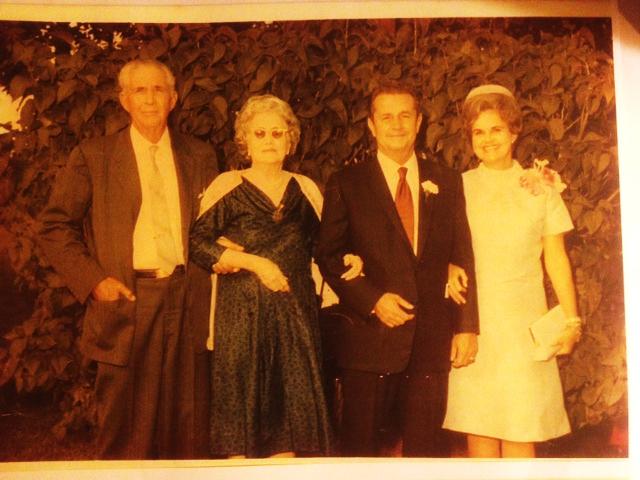 C:\Users\MLGaston\Pictures\My old pictures\Sanchez ancestors\Abu y Abuela Mom y Dad.JPG