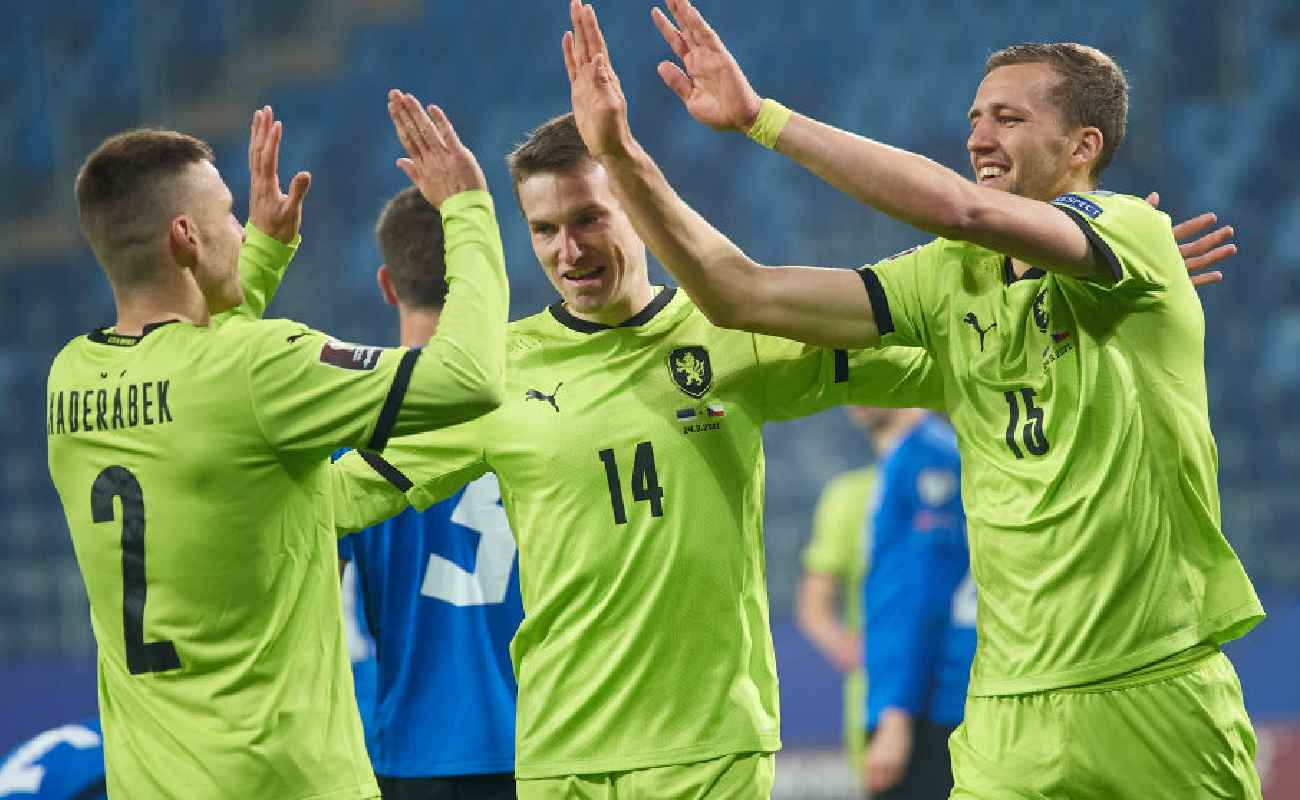 Alt: Czech Republic players celebrate after scoring a goal - Photo by ADAM NURKIEWICZ/Getty Images