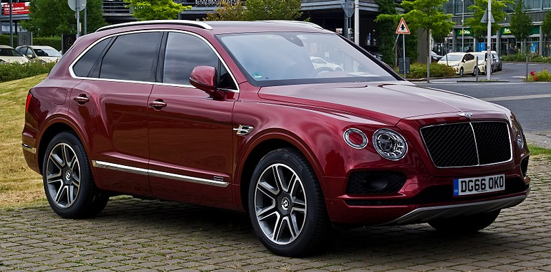 File:Bentley Bentayga Diesel – Frontansicht, 24. Juni 2017, Düsseldorf.jpg