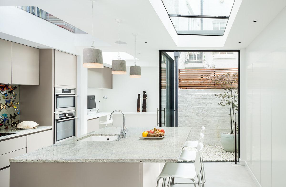 Hunian dengan desain interior modern yang minimalis dan elegan - source: uvarchitects.com