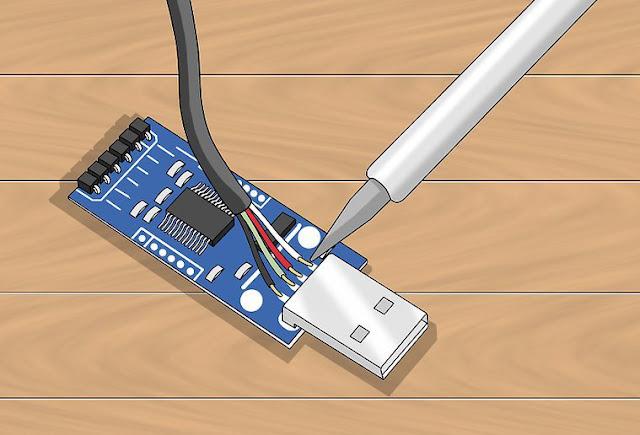 توصيل كابل USB على الفلاش