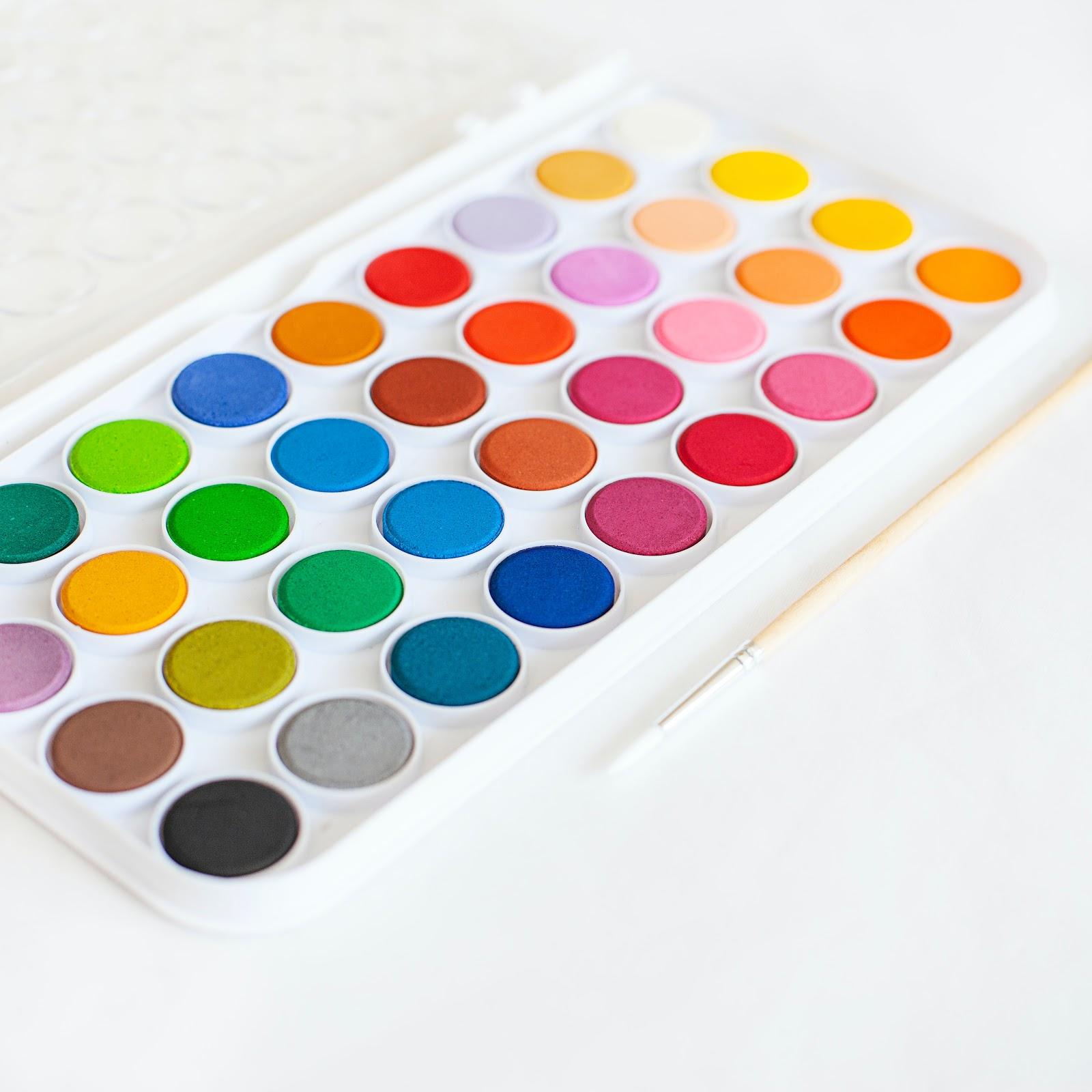 Water color paint pallet