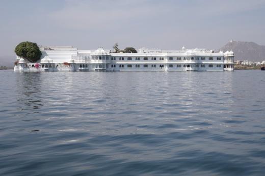 D:\WORK\Kultur\Hien_Kultur\IND_Indien\Fotos\IND16_2311_Udaipur-Taj Lake.jpg