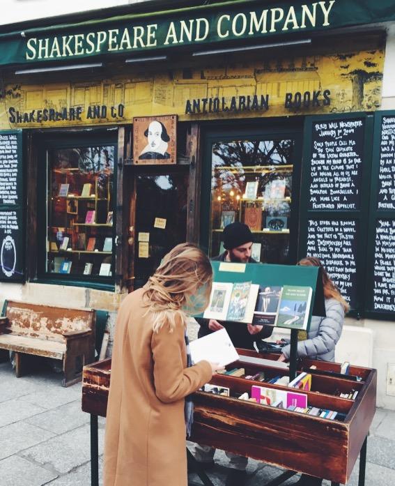 Shakespear and Company Paris