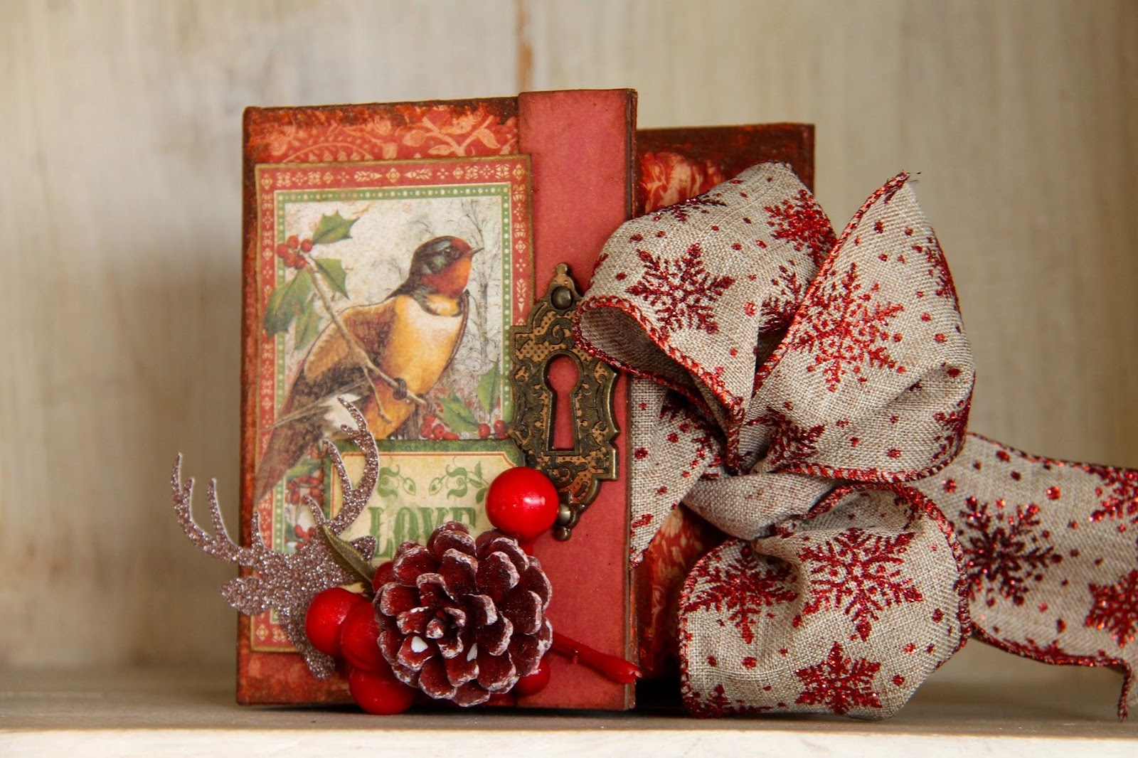 Winter Wonderland Book Box by Marina Blaukitchen Product by Graphic 45 photo 2.jpg