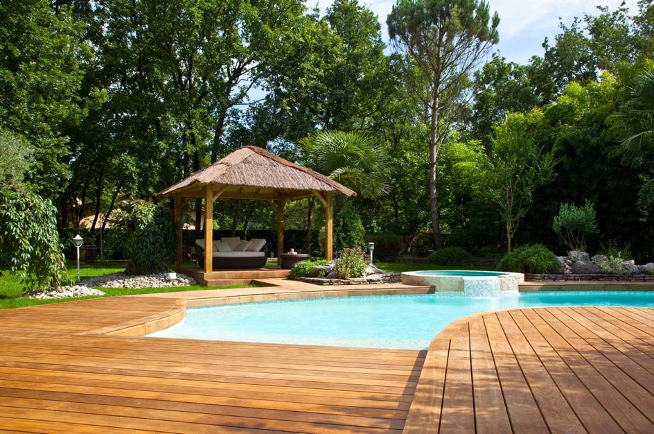 Kebony Holzterrasse mit Pool