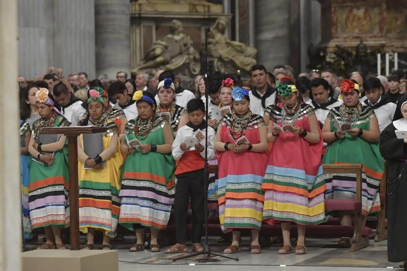 Đức Thánh Cha trong ngày Khánh Nhật Truyền giáo: 'Hãy đi và làm cho muôn dân trở thành môn đệ'