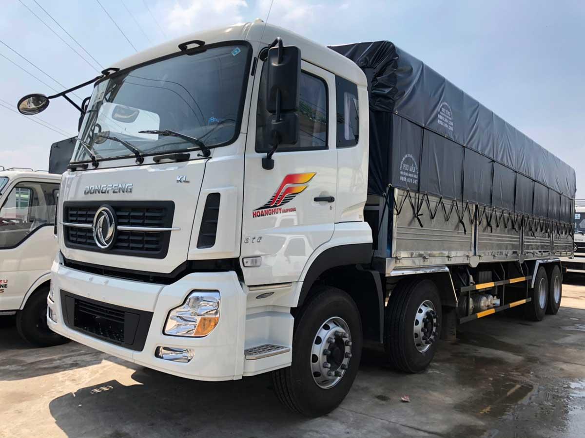xe tải Dongfeng 4 chân màu trắng