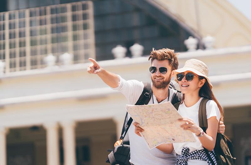 Как правильно выбрать очки для туризма?