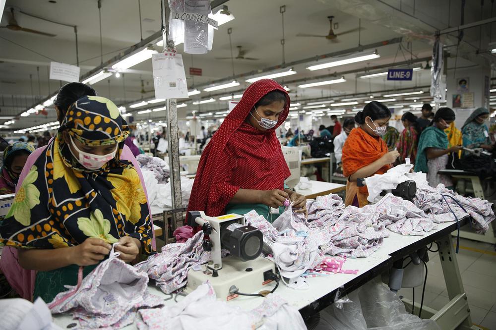 lavoratrici-fabbriche-fast-fashion