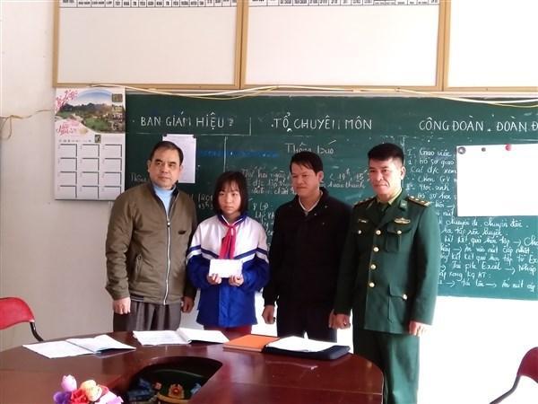 http://img.baocaobang.epi.vn/Uploaded/hienpt/2019_02_28/nang%20buoc%20den%20truong.jpg
