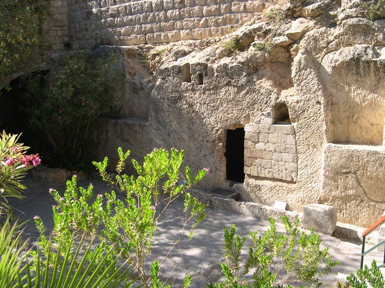 File:Jesus's Tomb