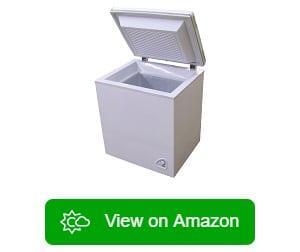 https://cleanenergysummit.org/wp-content/uploads/2019/11/Sundanzer-Solar-Powered-Refrigerator-1.jpg