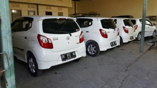 Cars are available on rents in Bali