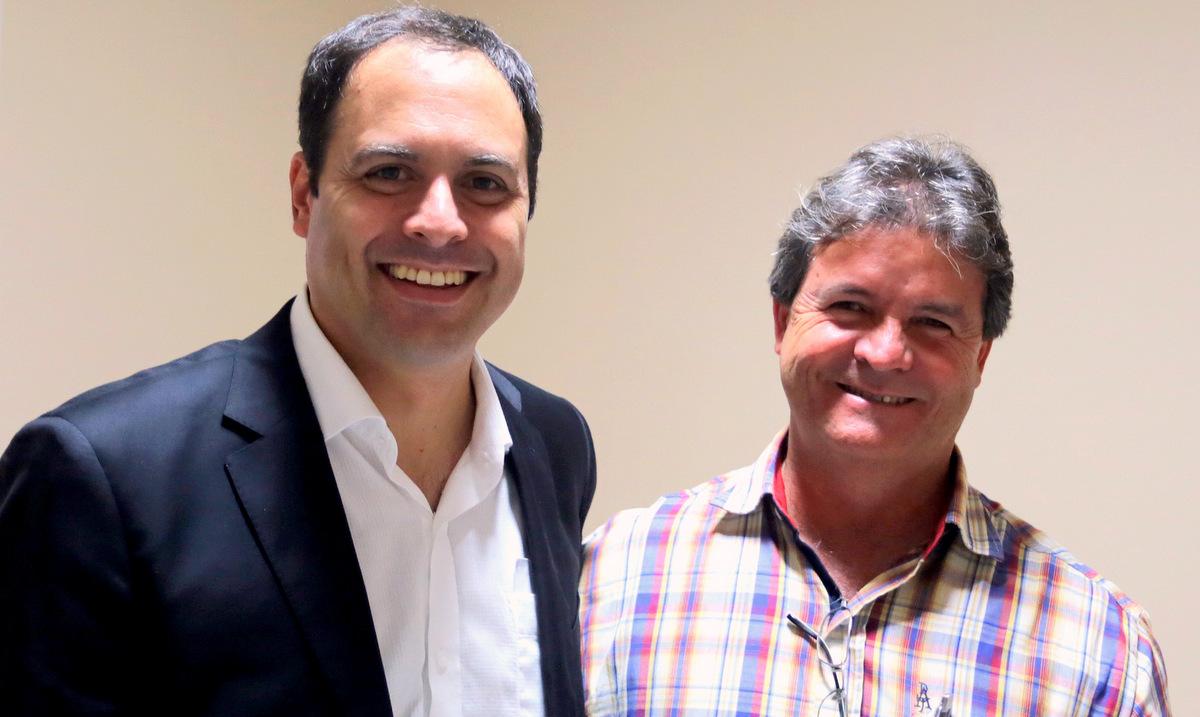 Paulo Câmara segue recebendo apoios de lideranças municipais. Agreste news revista.