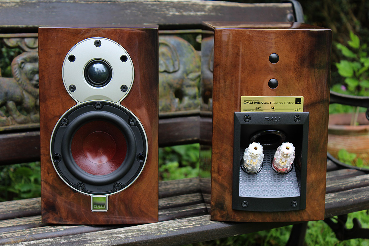 Dali Menuet Special Edition review: small, compact speakers offering a wide  soundstage... - Son-Vidéo.com: blog