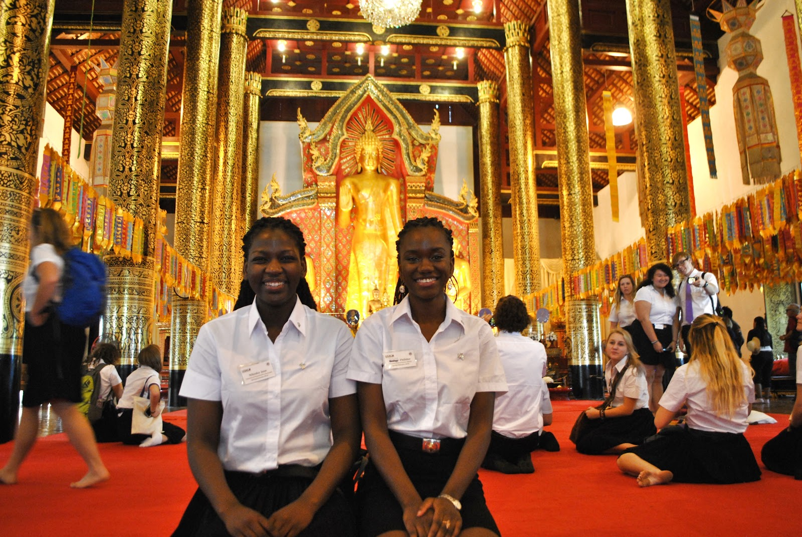 USAC students visiting temples during the Buddhism in Thailand class
