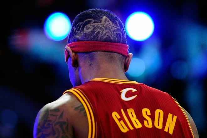 Boobie Gibson hair