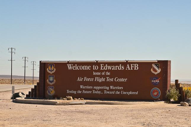 C:UsersWorkDesktopArmy BasesAirforceEdwards Air Force Base in Edwards, CAEdwards-AFB-Main-Entrance-Sign.jpg