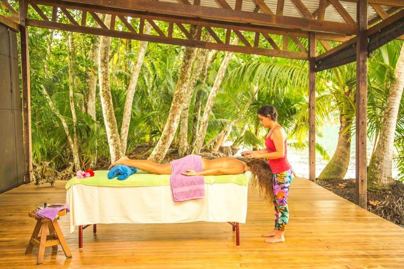 Playa Nicuesa Lodge beachfront massage, photo by travelista73