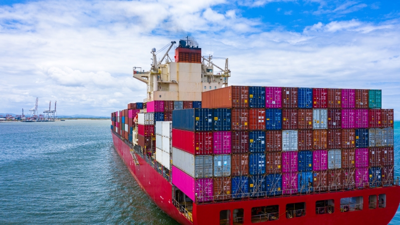 Hawaii moving with shipping containers