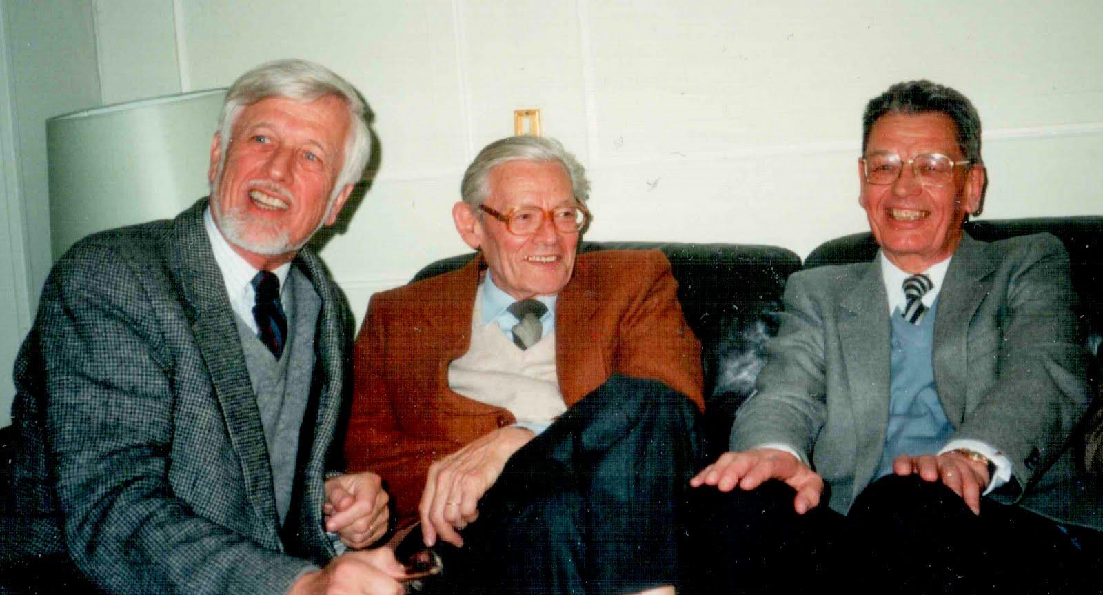 4 avril 1990. 3 frères Lesort. Rue de la Bourboule. réunion famille pour Claude Sibertin-Blanc