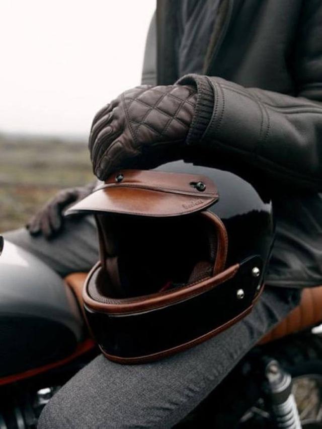 Cách xử lý khi Găng tay moto da bị ẩm mốc