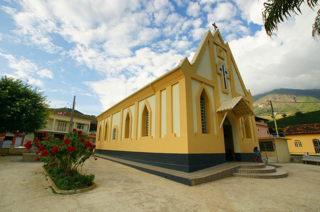 Resultado de imagem para igreja imaculada conceição alto caparaó