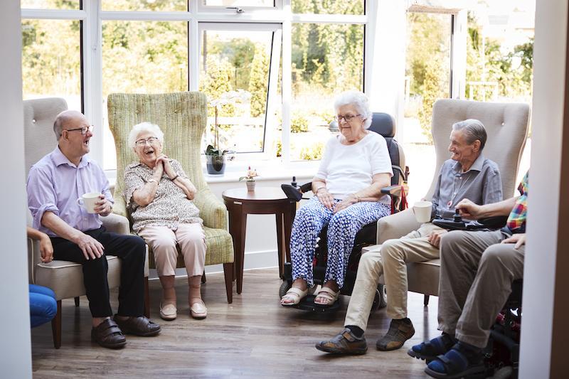 Are Senior Living Communities Safer & Healthier for Seniors Living Alone?