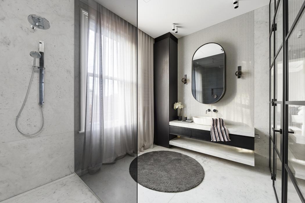 łazienka glamour czarno-biała