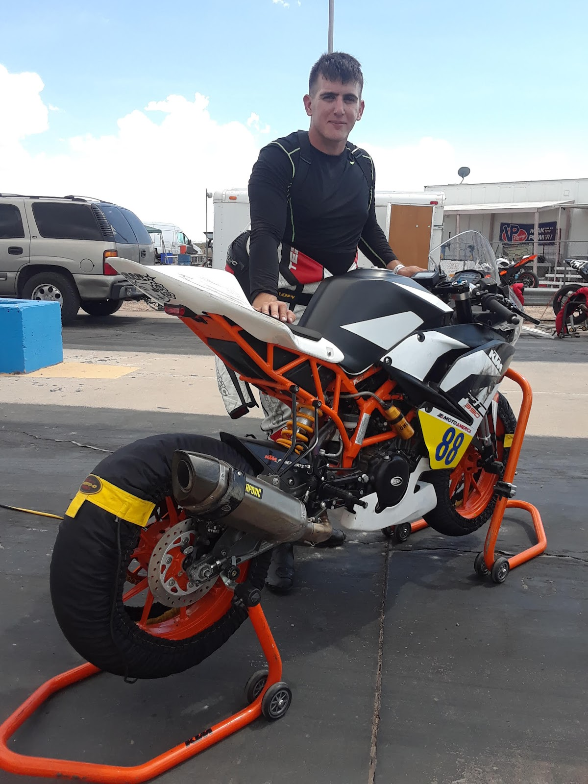 Zachary || KTM RC390