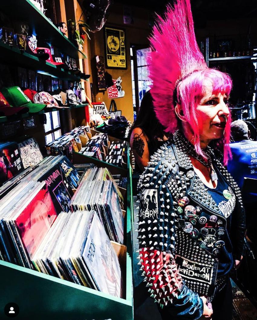 Existe amor em São Paulo. E lojas de discos também.